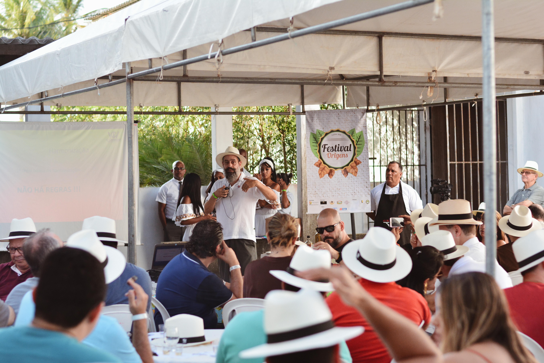 Visita à fábrica Monte Pascoal e workshop de harmonização de charuto com cachaça encerra o segundo dia do Festival Origens