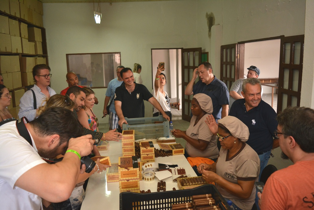 Fábrica Leite e Alves é visitada em Festival de Origens