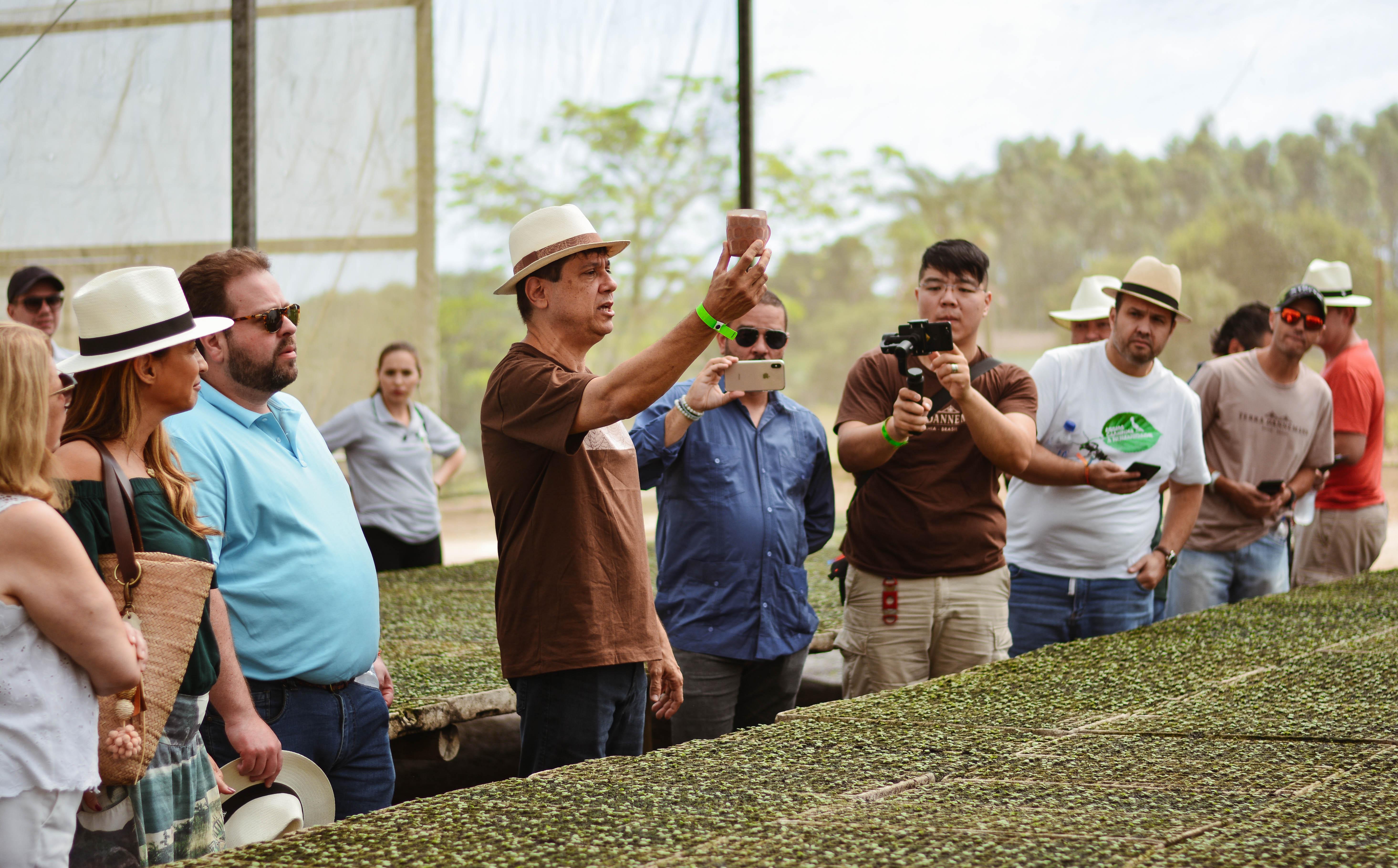 Participantes do Festival Origens 2018 realizam roteiro Terra Dannemann no Recôncavo da Bahia